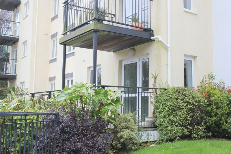 1 Bedroom Property for sale in Manaton Court, Launceston, PL15 9DR